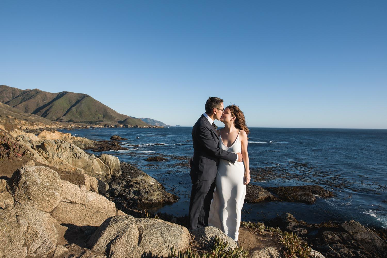 elope on a big sur cliff